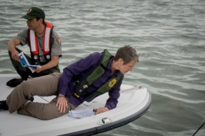 Sally Jewell, US  Secretary of the Interior, and Pedro Ramos, Superintendent of Everglades and Dry Tortugas National Parks, in the Florida Bay (Photo credit: Angel Valentin 2016-04-22)